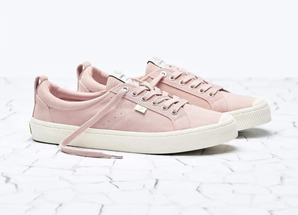 cariuma pink shoes