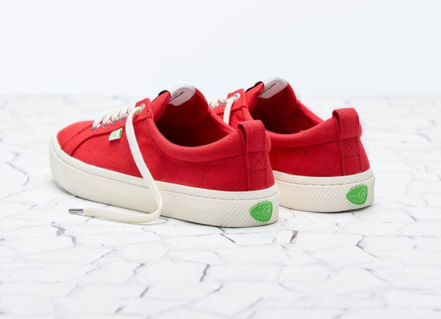 cariuma red shoes
