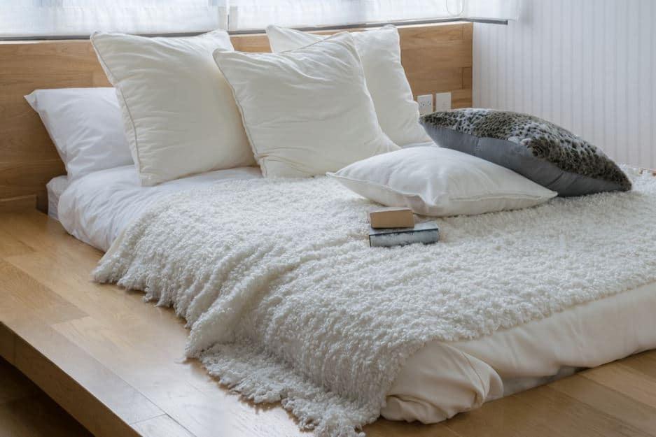 organic mattress with blankets